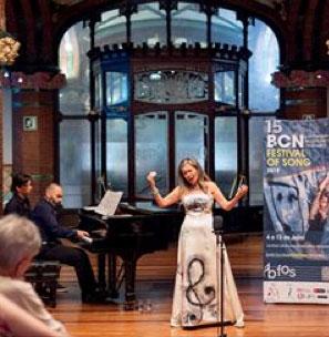 Patricia Singing